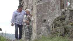Venezolano revive aldea abandonada en España