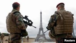 Французькі військовослужбовці несуть патрульну службу (ілюстраційне фото)