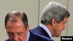 John Kerry (à dr.) et Sergei Lavrov (à g.L) n'ont pas pu se mettre d'accord sur la question syrienne