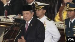 Presiden Susilo Bambang Yudhoyono saat memberikan pidato kenegaraan hari Selasa pagi (16/8). Dalam pidatonya, SBY membeberkan peningkatan prestasi Indonesia dalam memberantas korupsi.