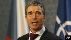 Андерс Фог Расмуссен на пресс-конференции в Праге. 12 ноября 2012 г.