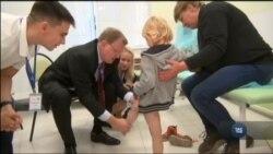 Американські лікари надали українським дітям з опіковими травмами безплатну медичну допомогу. Відео
