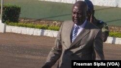Simplice Sarandji au palais présidentiel, Bangui, 14 avril 2015 (VOA / Freeman Sipila)