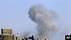 Θα συνεχιστούν οι αεροεπιδρομές του ΝΑΤΟ στη Λιβύη