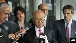 22일 취재진의 질의에 응답하는 아마노 유키야 IAEA 사무총장.