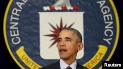 13일 바락 오바마 미국 대통령이 워싱턴 인근 버지니아주의 중앙정보국 CIA 본부를 방문했다.