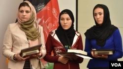 این سه بانوی افغان مشترکاً طرح ایجاد اپلکیشن جدید را داده اند.
