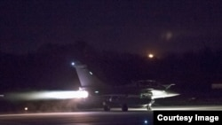 Самолет ВВС Франции, участвовавший в совместной акции коалиционных сил