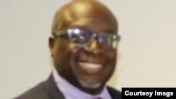 Ummeli weMelika eZimbabwe uAmbassador Harry Thomas Jr.