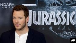 Aktor Chris Pratt pada acara promosi film 'Jurassic World' di Berlin, Jerman.