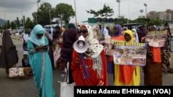 Daliban kungiyar Shiya lokacin da suke zanga-zanga a Abuja