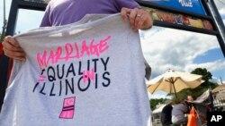Illinois se une ahora a otros estados como New Jersey, Minnesota y Rhode Island quienes recientemente permitieron los matrimonios gay.