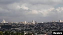 从耶路撒冷城南部边缘的一处居民区远望耶路撒冷。(2014年10月2日)
