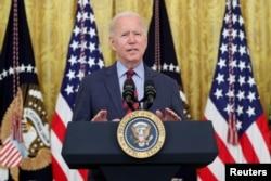 Presiden Joe Biden memberi kata sambutan di Gedung Putih, Washington DC, Selasa, 3 Agustus 2021. (Foto: Reuters)