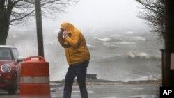 暴风袭击美国东海岸