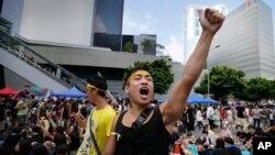 1일 중국 당국의 홍콩 행정장관 선거안에 반대하는 시위대가 홍콩 정부 청사 인근에서 농성을 벌이고 있다.
