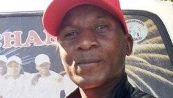 'Bakhululeni': Kutsho Imbongi Elodumo uDesire Moyoxide Kunkondlo Yakhe Yokugqiba Umnyaka