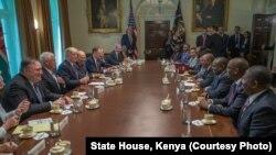 Rais wa Kenya, Uhuru Kenyatta na ujumbe wake wakutana na ujumbe wa Marekani kwenye ikulu, White House.