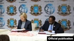 Somalia iyo Bankiga adduunka oo heshiis kala saxiixday