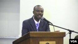 Moise Jean-Charles se kandida a la prezidans Platfòm Pitit Desalin, youn nan pati politk ki konteste rezilta eleksyon prezidansyèl 20 novanm 2016 la.