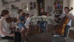Amigos inverosímiles a través de la música clásica