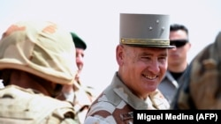 Le commandant des forces françaises Barkhane Patrick Brethous (ci-dessus) a été remplacé par le général François-Xavier de Woillemont pour intervenir dans la région du Sahel.