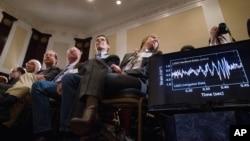 11일 미국 워싱턴의 네셔널프레스 클럽에서 천재 과학자 아인슈타인의 상대성이론 입증을 발표하는 기자회견이 열렸다.