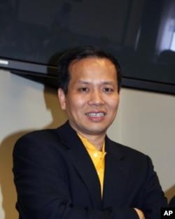 美国华人全国委员会会长 薛海培