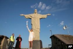 İsa Məsihin heykəli