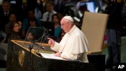 미국을 방문한 프란치스코 로마 가톨릭 교황이 25일 유엔 총회에서 연설하고 있다.