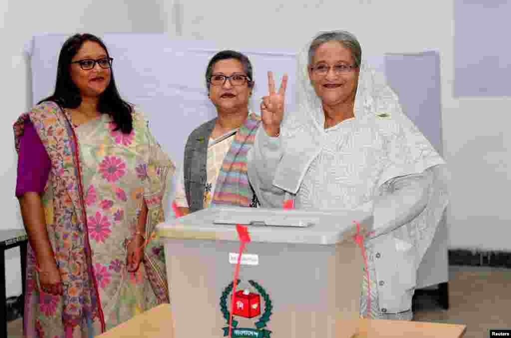 خانم «شیخ حسینه» ۷۱ ساله، نخست وزیر کنونی بنگلادش امیدوار است برای سومین دوره انتخاب شود. احزاب رقیب انتخابات را تحریم کرده اند.