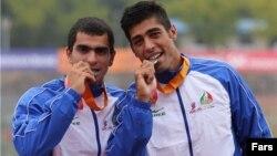 سعید فضل اولی(سمت راست)، عضو سابق تیم ملی قایقرانی ایران