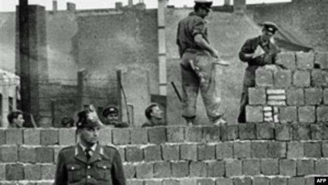 Bức tường Berlin, 7/10/1961. (ảnh tư liệu)