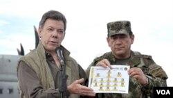 """El presidente colombiano, Juan Manuel Santos, dijo que """"es probable que la guerrilla siga teniendo presencia en Venezuela""""."""