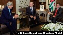 U.S. Secretary of State John Kerry, from left, meets with Israeli Prime Minister Benjamin Netanyahu and Jordan's King Abdullah in Amman, Jordan, Nov. 13, 2014.