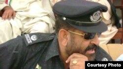 حملے میں ہلاک ہونے والے پولیس افسر مبارک شاہ کی فائل فوٹو