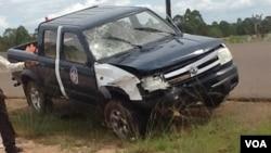 Viatura do comandante da Polícia de Trânsito do Menongue após o atropelamento do motoqueiro (foto cedida por populares)