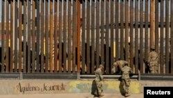 Američki vojnici na granici SAD i Meksika