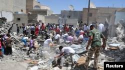 據信敘利亞政府軍8月10日空襲致建築倒塌。