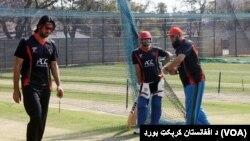 انضمام افغان کھلاڑیوں کو مشورہ دے رہے ہیں (فائل)