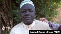 Adamou Boubacar, warga desa Tongo Tongo, Nigeria yang menceritakan kepada VOA. (Foto: VOA/Abdoul-Razak Idrissa).