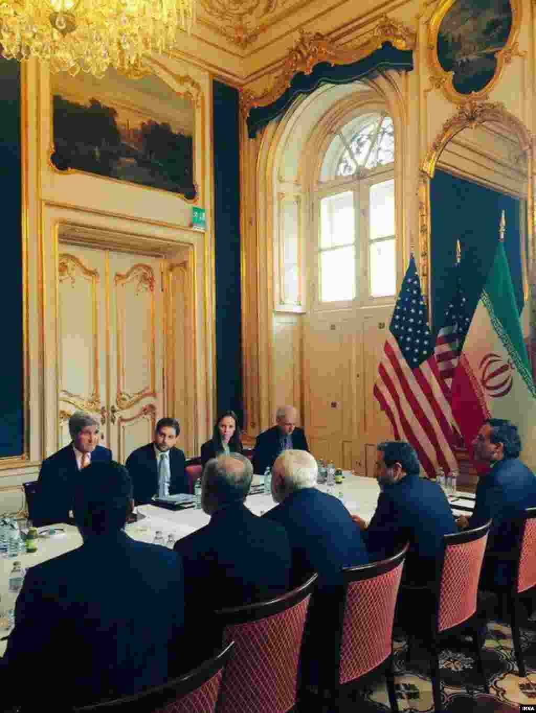 بعد از آن هم ملاقات وزاری خارجه ایران و آمریکا. با اینکه در دو سال گذشته مذاکرات پنج بعلاوه یک بود، اما ایران و آمریکا بخش مهم این مذاکرات بودند.
