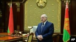 白俄羅斯總統盧卡申科在一次會議上。 (美聯社照片)