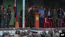 """Tổng thống Philippines Rodrigo Duterte tuyên bố thành phố Marawi đã được """"giải phóng khỏi ảnh hưởng của lực lượng khủng bố."""""""