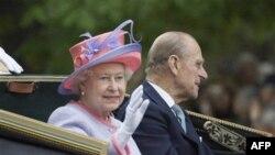 Nữ hoàng Elizabeth II và phu quân, Hoàng tế Philip