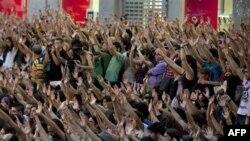 Những người dân Tây Ban Nha bất bình về cách xử lý các vấn nạn kinh tế đã mở hàng loạt các cuộc biểu tình trên khắp nước kể từ tháng trước