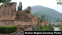 مظفرآباد میں واقع تاریخی قلعے ریڈ فورٹ کا ایک منظر