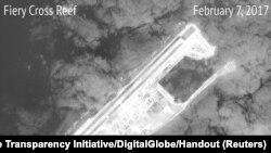Ảnh của một trong các đảo nhân tạo Trung Quốc bồi dắp xây dựng trong quần đảo Trường Sa do vệ tinh chụp được ngày 22/2/2017.