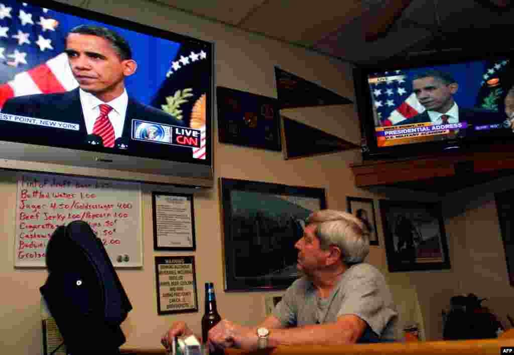1 декабря 2009 года президент Обама объявил о стратегии США в Афганистане, согласно которой численность американских войск в стране было увеличено на 30 тыс человек.