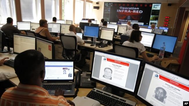 國際刑警組織(Interpol)的工作人員(資料照片)